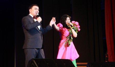 Мангистауские чиновники спели Синатру и Раймонда Паулса