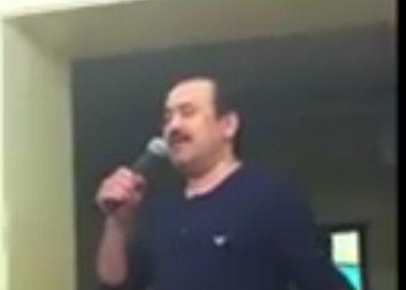Карим Масимов спел в домашнем караоке о том, как прекрасен мир