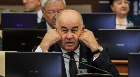 Олигархи грабят Казахстан - мажилисмен