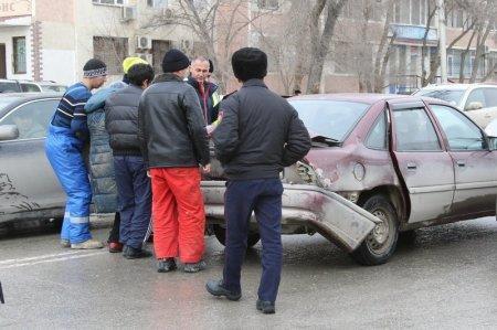На дороге между 6 и 8 микрорайонами Актау сбили женщину