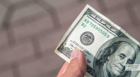 В Туркменистане запретили продажу долларов населению