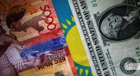 Курс доллара по итогам утренних торгов вырос до 366,16 тенге