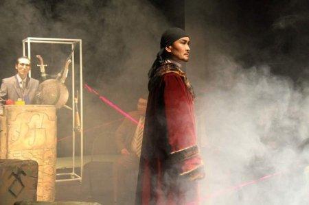 В память об Абише Кекильбаеве в драматическом театре Актау покажут спектакль «Абылайхан»