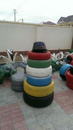 В Актау нашли применение старым автомобильным покрышкам