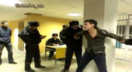Дебош в полицейском участке в Темиртау записали на видео