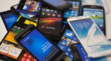 Неисправные смартфоны получили дети на елке акима Тараза