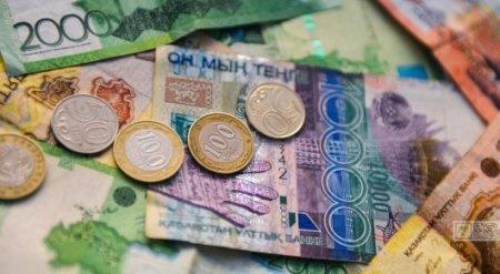 Тенге опустился еще на одну позицию по отношению к доллару