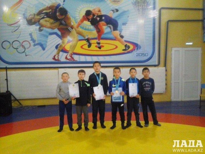 В Жанаозене прошел республиканский турнир по вольной борьбе