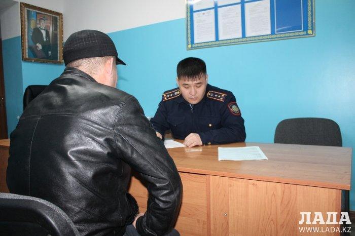 За один рейд полицейские Актау выявили около 300 правонарушений по нулевой терпимости