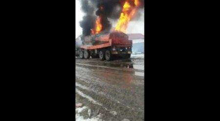 Один человек погиб в результате взрыва бензовоза в Атырау