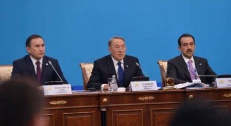 Без девальвации казахстанцы могли обеднеть - Назарбаев