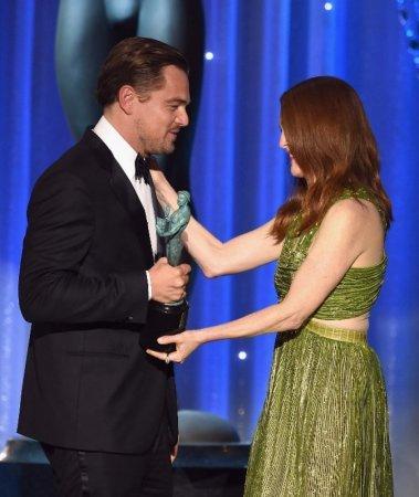 """Ди Каприо получил награду Гильдии киноактеров США за роль в """"Выжившем"""""""