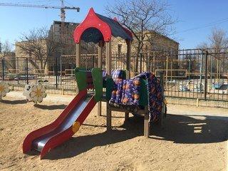 """""""Детская площадка с курпешками для безопасности"""""""