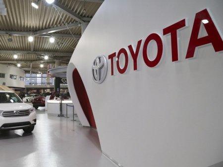 Toyota останавливает производство из-за нехватки стали