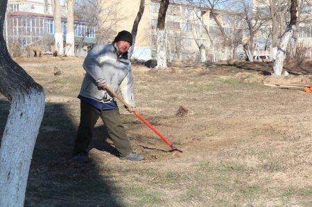 Уркен Бисакаев: В парке «Акбота» ведутся работы по очистке территории