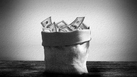 Возможна ли в Казахстане жизнь без доллара?