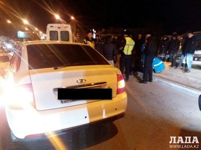 На спуске между 14 и 15 микрорайонами Актау сбили женщину