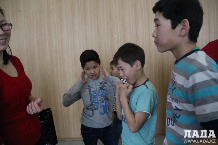Среди детей Актау прошел конкурс рисунка «Защити себя»