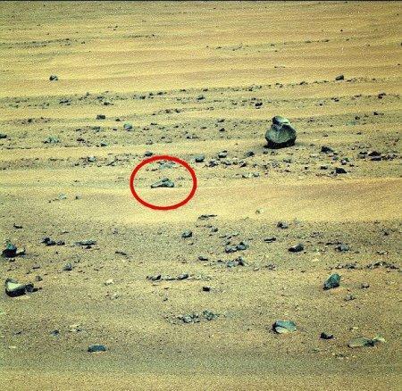 На Марсе нашли распятие, пистолет и древнеегипетский саркофаг