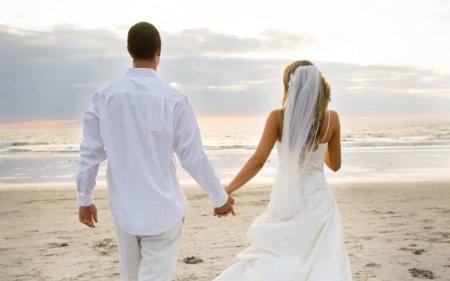 Директор брачного агентства рассказала о проблеме одиночества мужчин и женщин