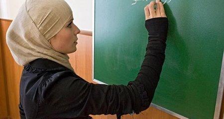 В казахстанских школах запретили носить хиджабы