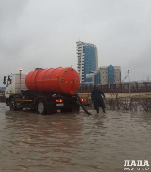 Сотрудники ДЧС рассказали о последствиях продолжительных дождей в Мангистау