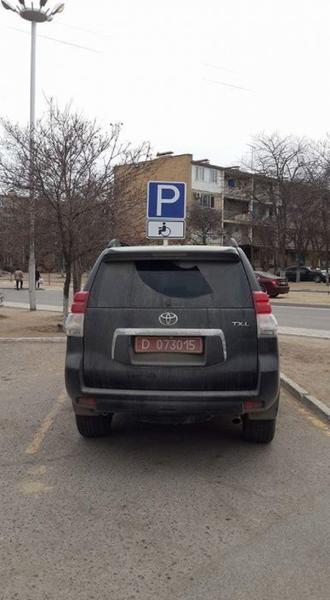 Водители Актау жалуются на автомашины с дипломатическими номерами