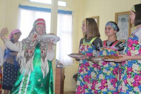 В Благовещенском храме Актау в день Прощеного воскресенья состоялось театрализованное представление для прихожан