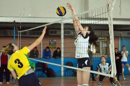 Женская команда Актау по волейболу стала победителем областного турнира