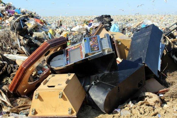 В Актау изъяли и уничтожили игровые автоматы