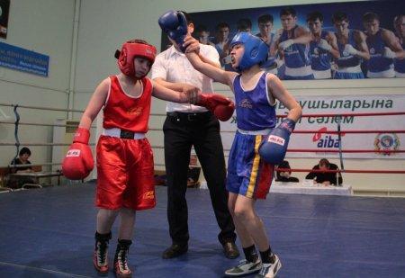 В Актау в областных соревнованиях по боксу среди юношей приняли участие более 80 спортсменов