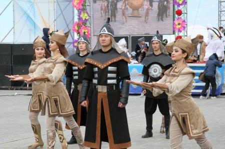 В Актау отметили праздник пробуждения весны - Наурыз
