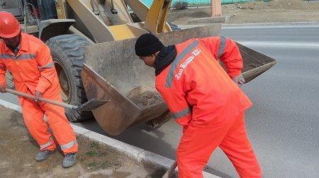В Актау после празднования «Наурыза» с набережной было вывезено 42 тонны мусора