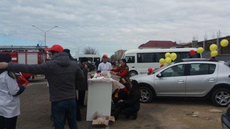 Сотрудники автосалона Renault поздравили актаусцев с Наурызом