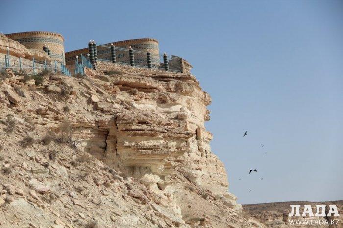 National Geographic включил мечеть Бекет-ата в список пяти чудес Казахстана