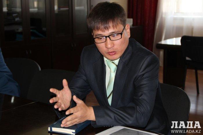 Уркен Бисакаев: До конца 2016 года для выпускников детского дома выделят 72 квартиры