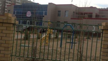 Побег 6-летнего мальчика из детского сада в Павлодаре попал на видео