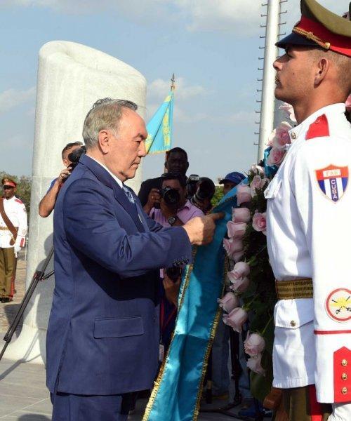 Нурсултан Назарбаев встретился с Раулем Кастро