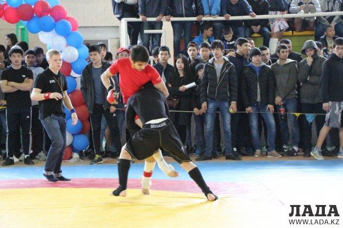 Нурбек Мунлыков: Мангистауские бойцы не хотят отдавать лидерство в чемпионате Казахстана по панкратиону