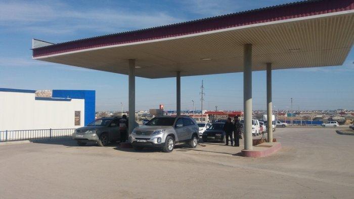 Руководители АГЗС в Актау: На заводе «КазГПЗ» нам сократили объемы отгрузки топлива