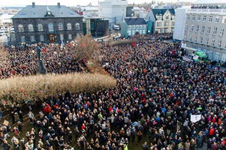 Протесты из-за офшорного скандала. В одной фотографии