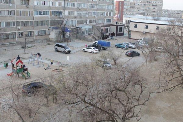 Жители 5 микрорайона Актау выступают против строительства магазина около их дома