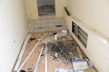 Жители 27 микрорайона: Бывший детский сад превратился в пристанище для бомжей