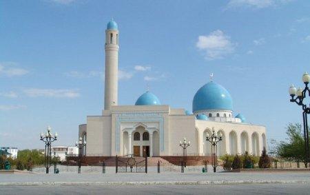 Верховный муфтий Казахстана прокомментировал «селфи» на «Вечном огне» в Актау