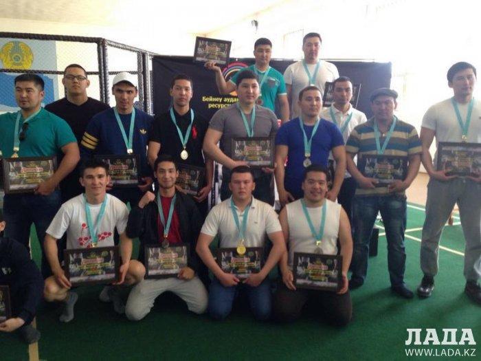 В Бейнеу прошел открытый чемпионат Мангистауской области по пауэрлифтингу