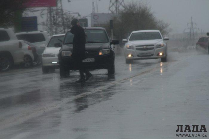 Фотопост: Дождливое воскресенье в Актау
