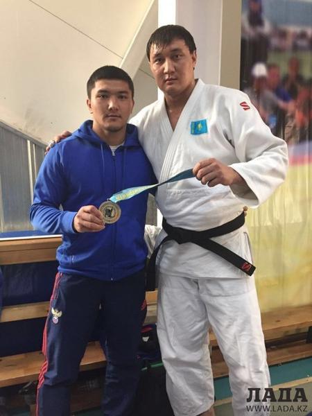 Борец из Актау Мейрамбек Жанабай стал чемпионом международного турнира в Павлодаре