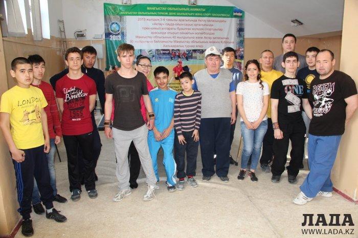 В Актау спортсмены-инвалиды оспаривали звание чемпиона в турнире по пауэрлифтингу