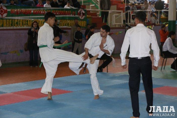 На чемпионате Казахстана по кекушинкай каратэ-до в Актау хозяева соревнований завоевали 13 медалей