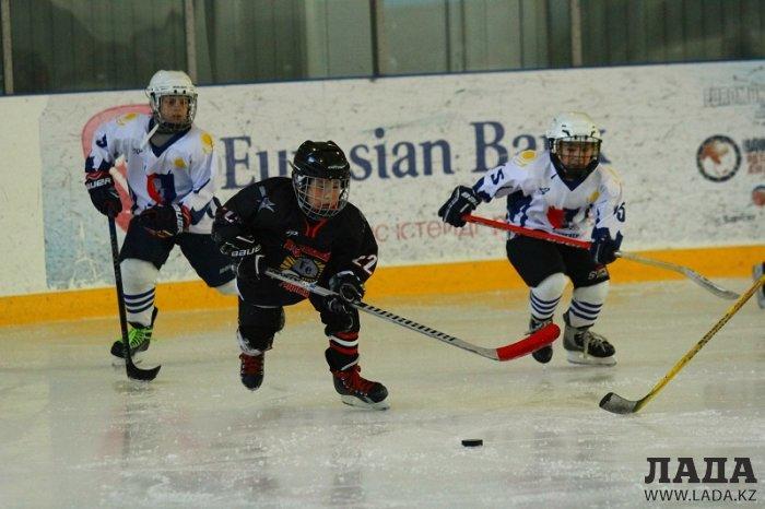 Хоккеист из Актау Амир Ауезбай в составе команды «Горняк» выиграл чемпионат Казахстана